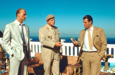 Os vilões Necros, Whitaker e o General Koskov em Tânger, Marrocos.
